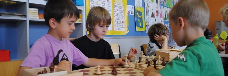 Ob Anfänger oder Fortgeschrittene - bei unseren Schachkursen ist für jeden das Richtige dabei.