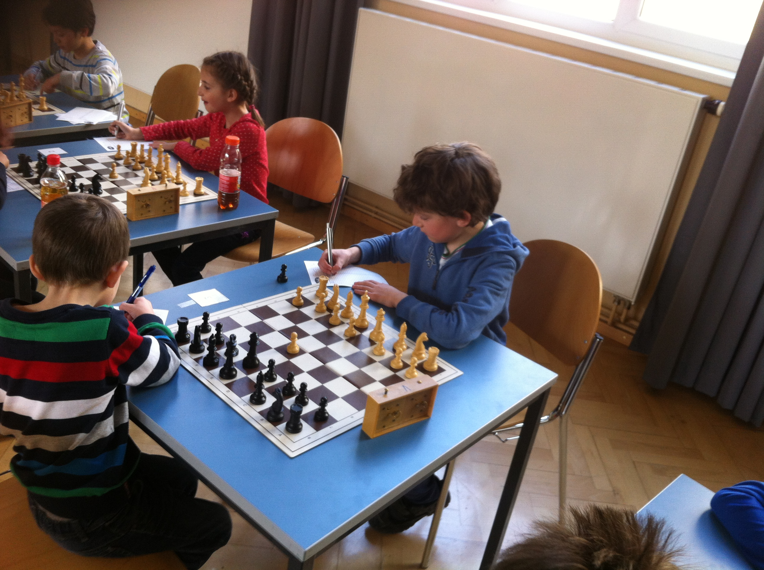 Tiroler Schachschüler triumphieren bei der Jugendschachrallye in Landeck