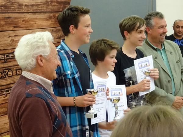 Die besten Jungs: vlnr. Benedikt SCHWARZ (2.), Andreas HIRZINGER (1.), Dominik KITTINGER (4.)