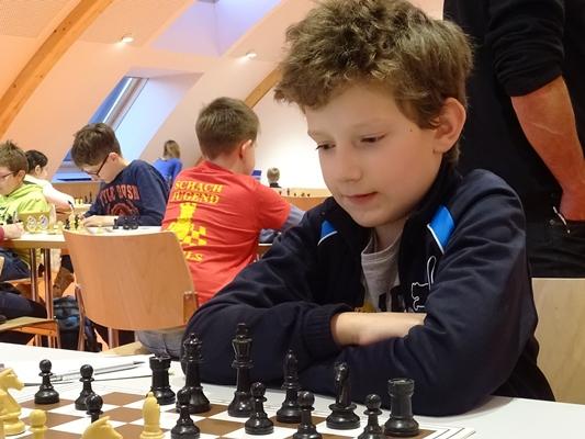 Quentin HALLER. 3. Platz bei Turnier in Schwaz, 3. Platz in der U12-Gesamtwertung und 3. Platz in der allgemeinen Gesamtwertung der Gruppe A.